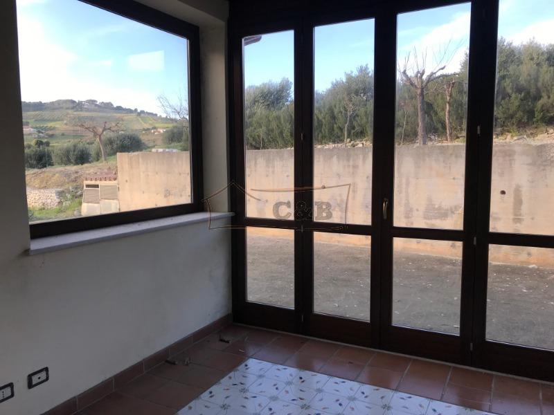 C b agenzia immobiliare trapani affitto casa indipendente trapani trapani - Case in affitto vigevano con giardino ...