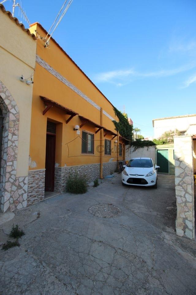 Immobili in sicilia vendita affitto affitto stagionale for Case in affitto a trapani non arredate